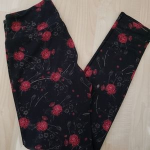LuLaRoe Leggings, Red Rose OS